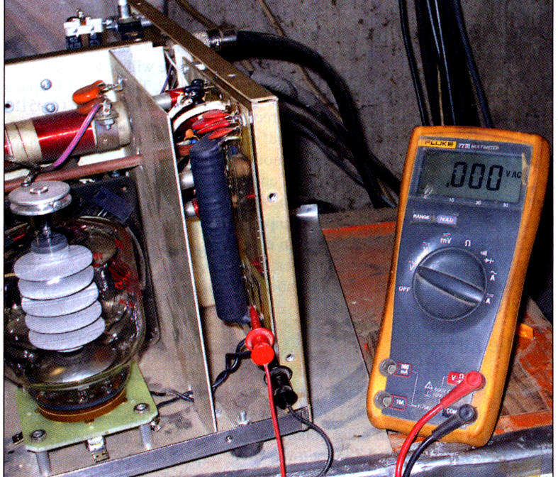 QSt measuring filament voltage AL80B