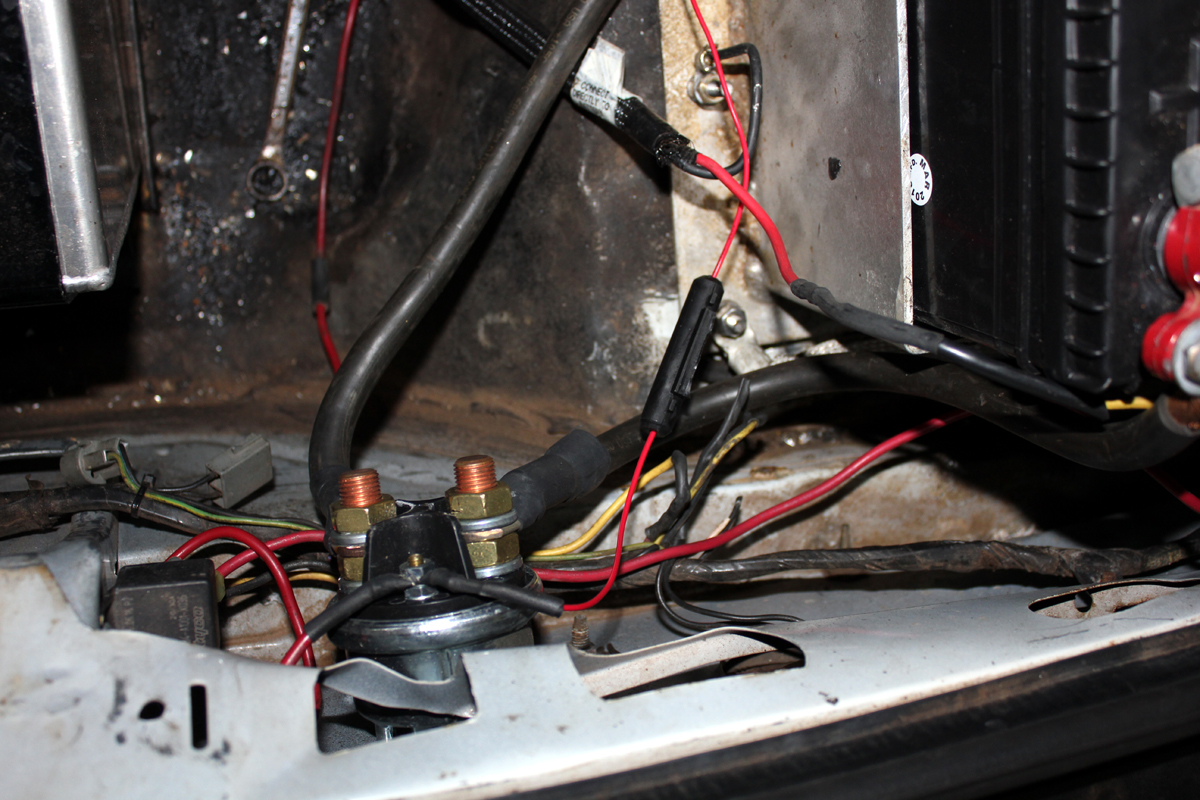 Battery trunk wiring